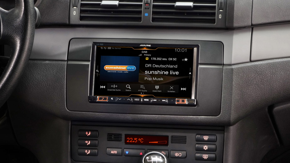Alpine Style Mobile Media Designed for BMW 3 E46 - iLX-702E46